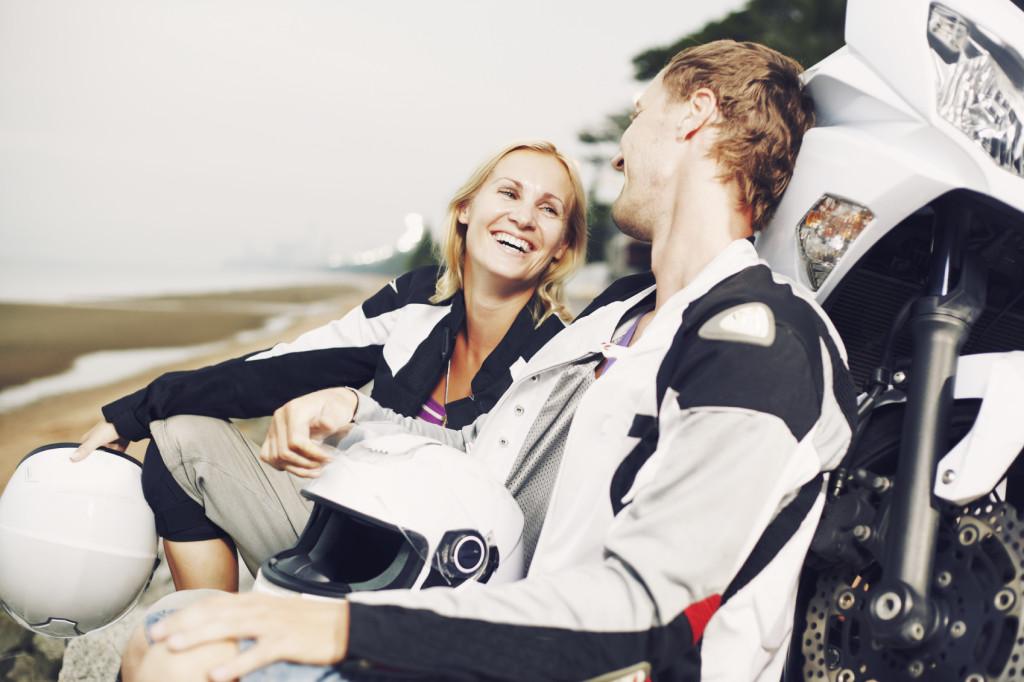 Mit dem Partner eine Motorradtour machen