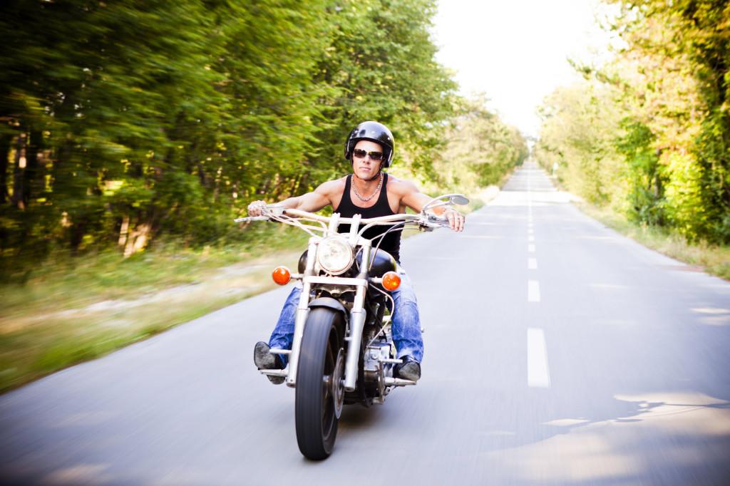 Motorradfahrer sucht Single zum fahren.
